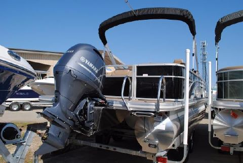2017 Bennington 24SCWX Pontoon  2017-Bennington-24SCWX-Pontoon-Boat-For-Sale