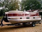 2014 SUN TRACKER Party Barge 18 DLX