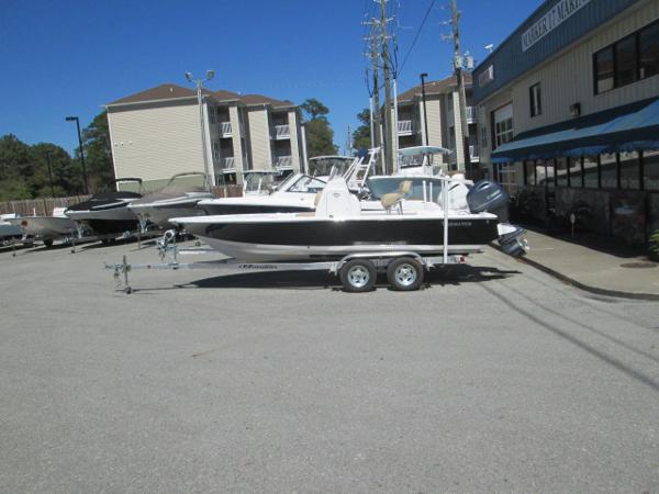 2016 Tidewater Boats 2110 Bay Max