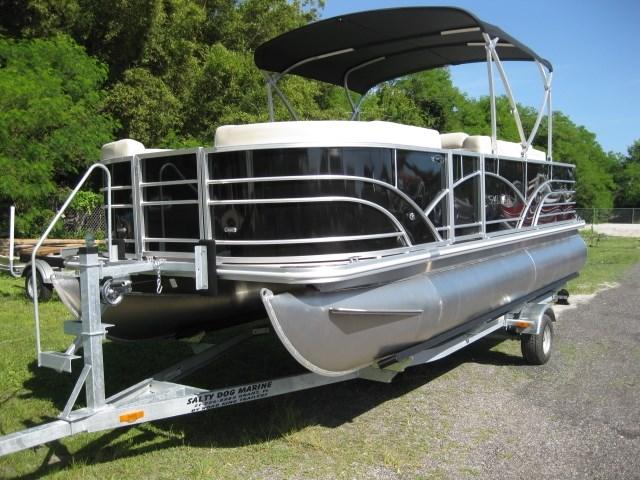 2017 Sylvan Mirage 820 Cruise and Fish