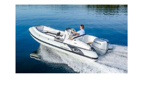 2017 Walker Bay Generation 525