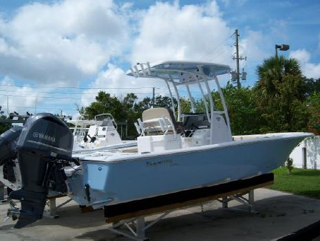 2021 TIDEWATER BOATS 2500 Carolina Bay