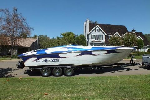 2007 Challenger Offshore 33 DDC