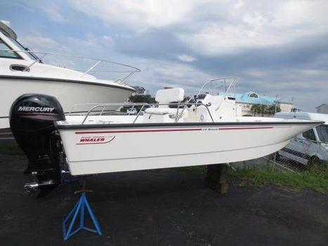 2015 Boston Whaler 210 Montauk