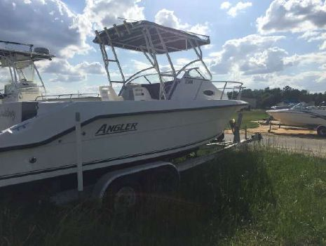 2005 Angler 2500 Walk Around