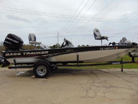 2010 Tracker Pro Team 190 TX w/ 90 ELPT OptiMax and Trailer