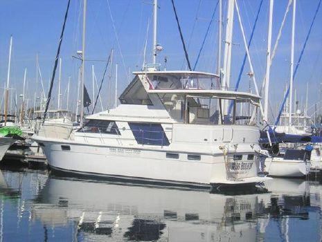 1986 Carver 4207 Docked