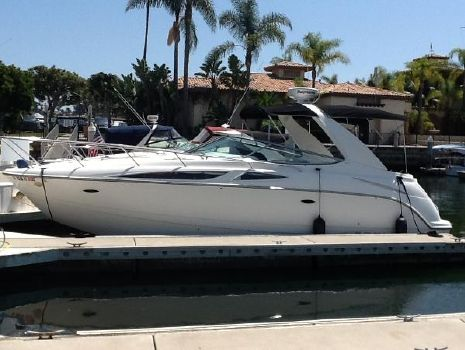 2007 Bayliner 300 Port side view