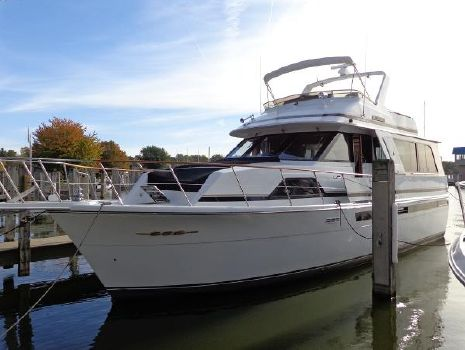1988 Chris-Craft Constellation 501 Exterior 1