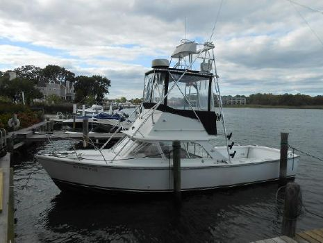 1963 Bertram flybridge fisherman