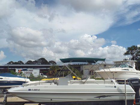 2000 Harris-Kayot Legend deck boat