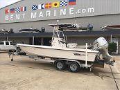 2002 Pathfinder Bay Boat 2400