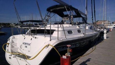 2013 Marlow-Hunter 50 Center Cockpit Starboard Side