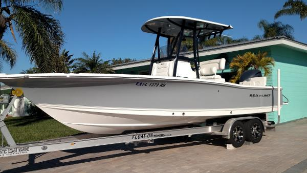 Sea Hunt 24 Bx >> Check Out This 2016 Sea Hunt 24 Bx Br On Boattrader Com