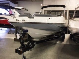 2017 Bayliner 215 Deck Boat