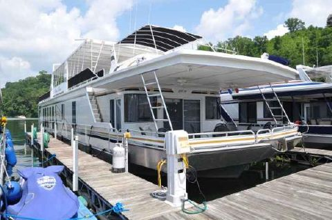 2005 Fantasy Houseboat 19' x 90' House Boat