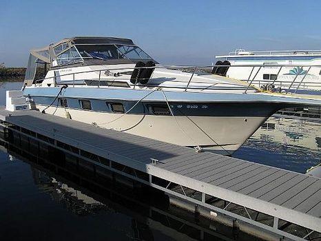 1993 Cruisers Yachts 336 Ultra Vee