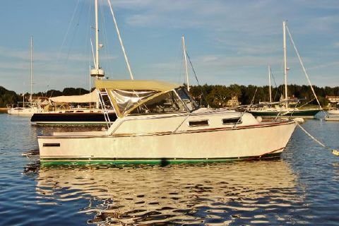 2001 Legacy 28 starboard profile