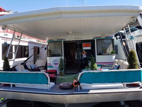 1999 Fantasy Houseboat Fantasy