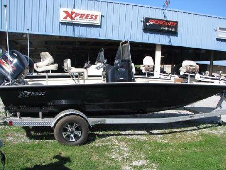 2017 Xpress Boats Hyper-Lift® Bay H20B