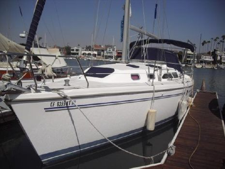 2006 Catalina 350 MkII Catalina 350 2006 port view