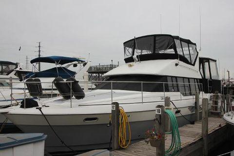 1990 Bayliner 4387 Aft Cabin MY Port Side
