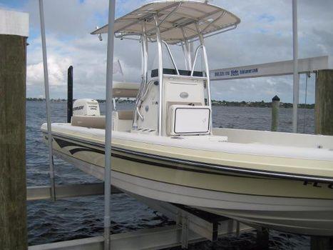 2012 Ranger 2410 Bay