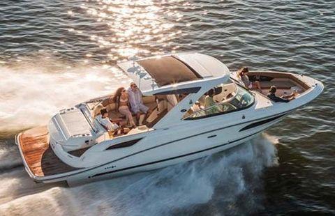 2017 Sea Ray SLX 350 Manufacturer Provided Image