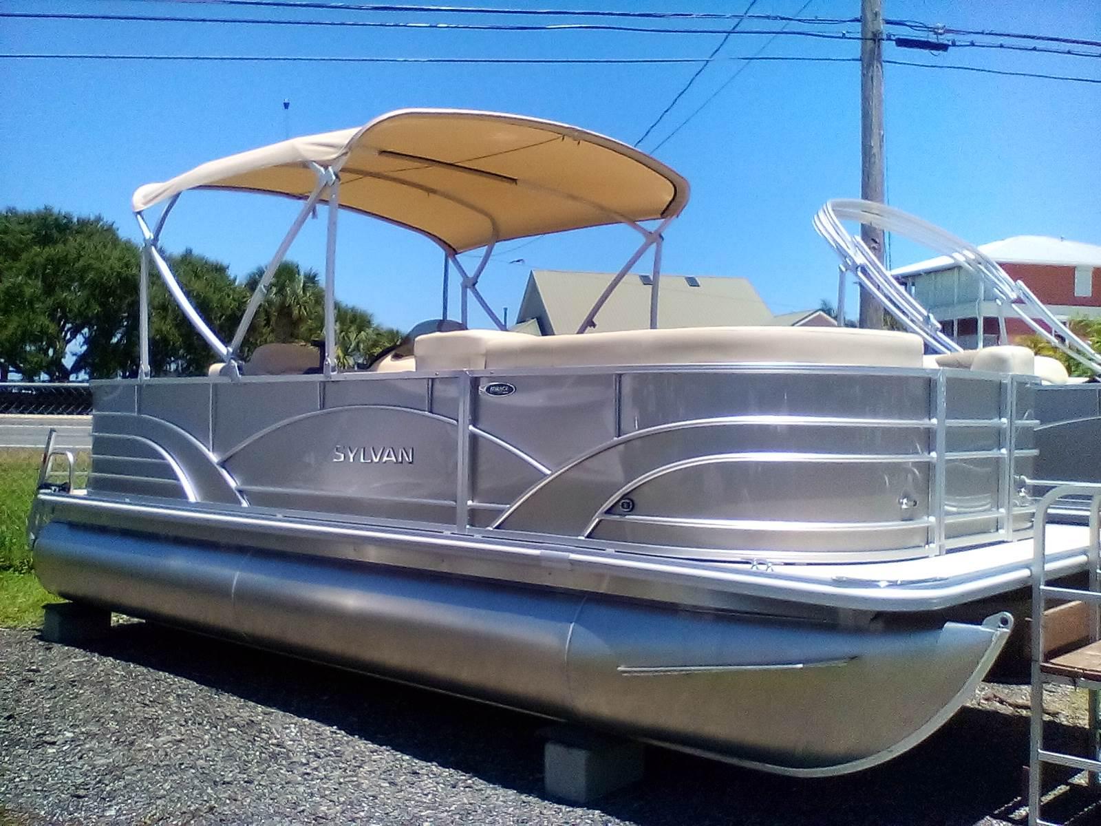 2017 Sylvan 8520 Cruise -N-Fish