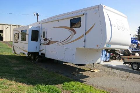 2007 Select Suites 5th Wheel series RV