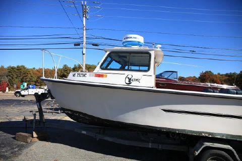1986 C-hawk Boats 25 Cabin port profile