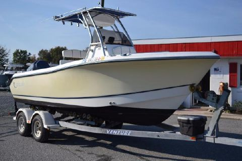 2004 Polar Boats 2100 Center Console