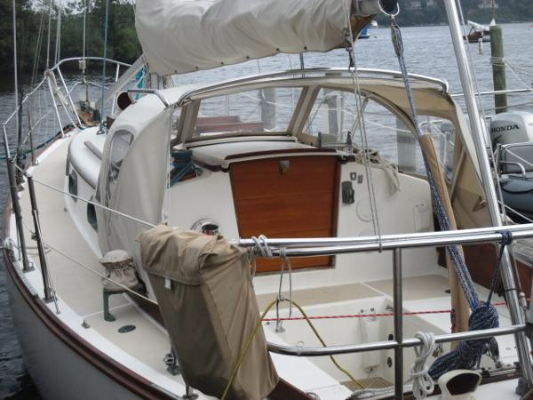 Check out this 1981 CAPE DORY 28 on Boattrader com