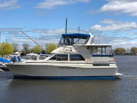 1987 CHRIS - CRAFT 426 Catalina