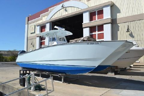 2009 Freeman Boatworks 33 Center Console Catamaran Starboard Bow