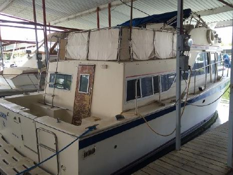 1979 Chris-Craft 38 Corinthian