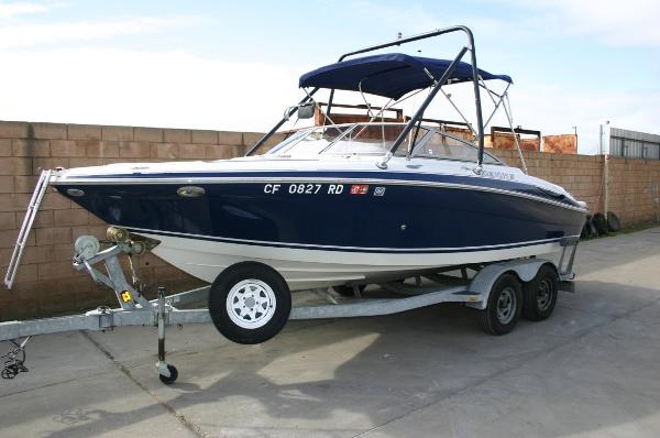 2004 Four Winns 210 Horizon