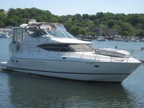 2003 Cruisers Yachts 4450 Express