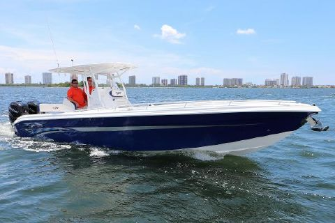 2017 Glasstream 328 PRO-XS