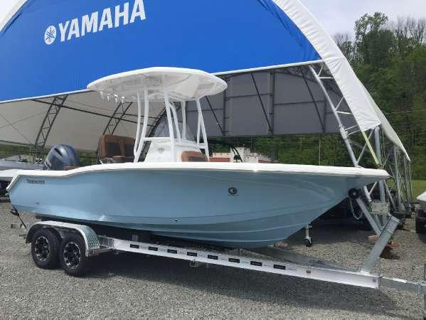 2017 Tidewater Boats 210 Adventurer
