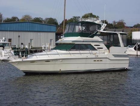1987 Sea Ray 410 Aft Cabin ON THE WATER