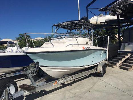 2005 Angler Boats 22wa