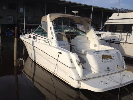 2000 Sea Ray 290 Sundancer At Dock