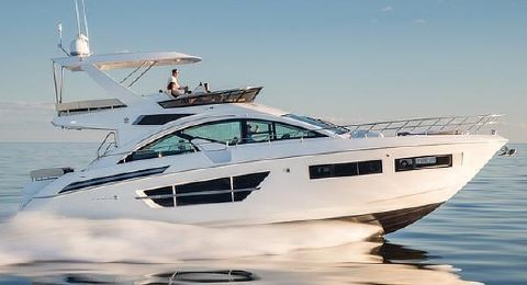 2018 Cruisers Yachts 60 Sport Fly