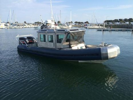 2004 Safe Boat 25 DEFENDER