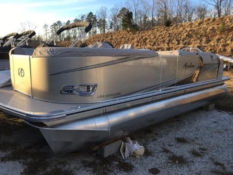2016 Avalon LSZ 2285 Cruise Rear Bench