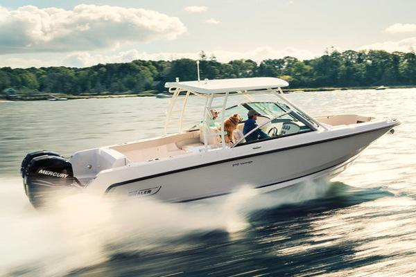 2018 Boston Whaler 270 Vantage Manufacturer Provided Image