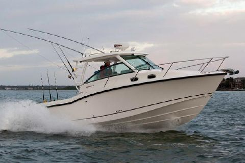 2018 Boston Whaler 315 Conquest Manufacturer Provided Image