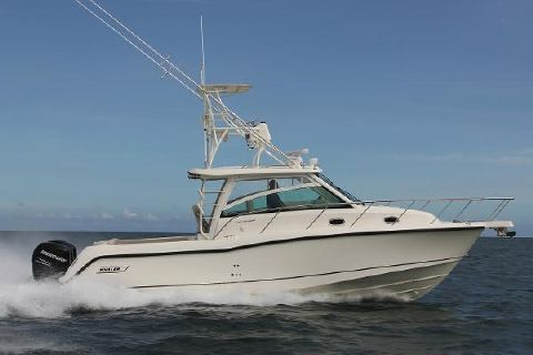 2017 Boston Whaler 345 Conquest Manufacturer Provided Image