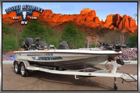 2006 Champion Boats 198 Dual Console Bass Boat
